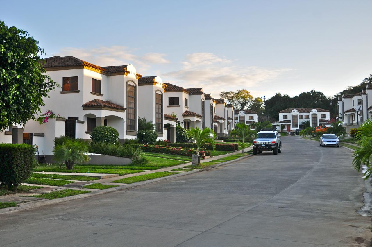 Real estates nicaragua real estate for Casas para la venta en ciudad jardin cali colombia